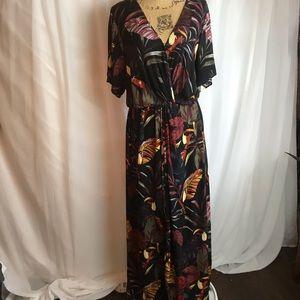 NWT City Chic Canopy Short Sleeve Maxi Dress